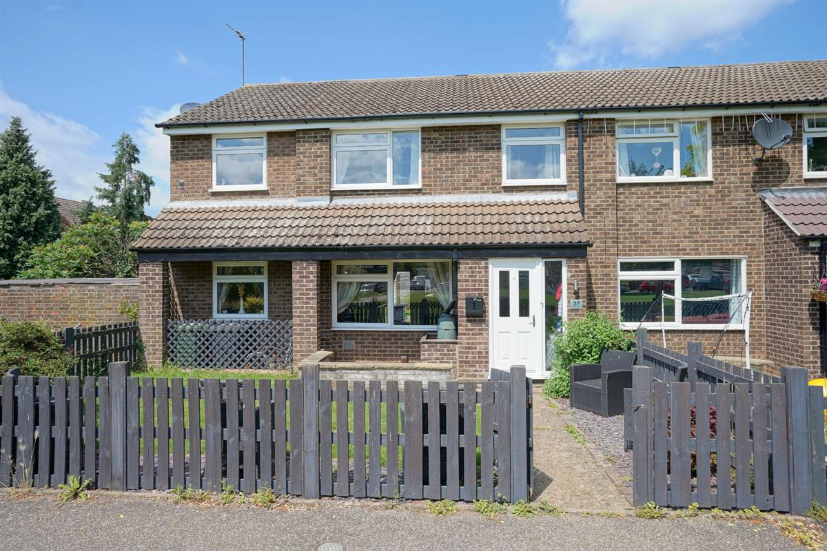 Hayling Avenue, Little Paxton, St. Neots